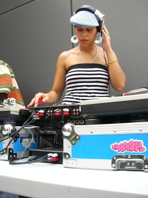 DJ LayLo ROCK the Sidewalks!!  U Go Girl